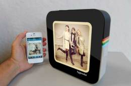 Instacube, a digital photo frame for your Instagram photos