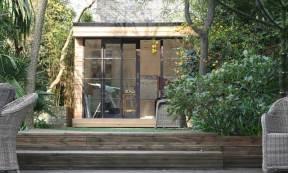 in.it studios garden office / studio, set in a leafy space