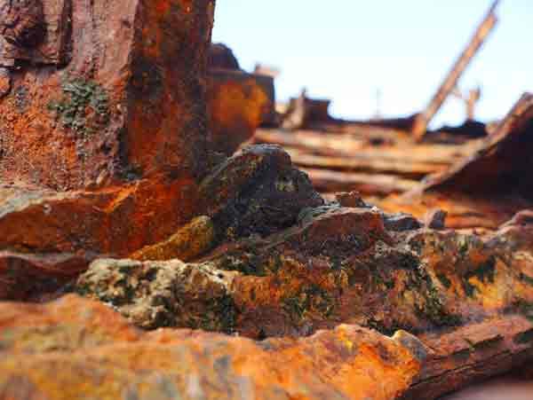 Fraser-Island-Maheno-shipwreck-rust