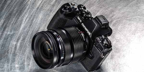 Olympus OM-D E-M1 black, in a moody shot