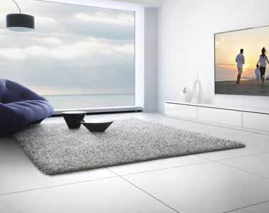 Panasonic 4K Ultra HD TV, TH-L65WT600A lifestyle shot