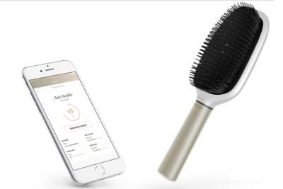 Withings Kerastase Hair Coach brush and app screen