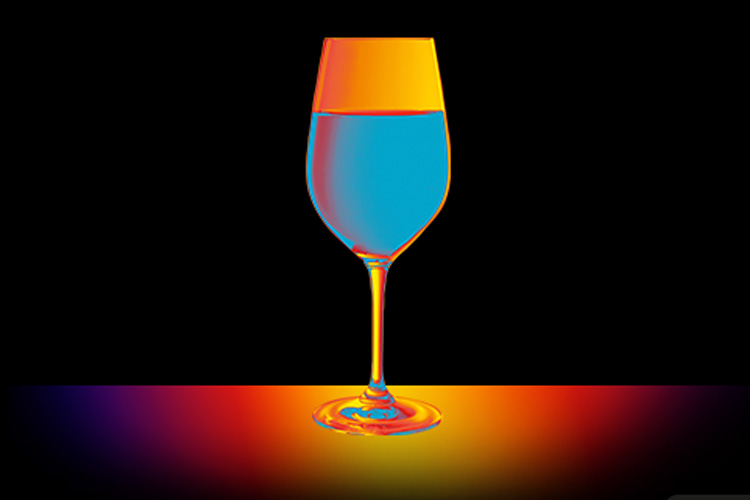 wineglass temperature effect