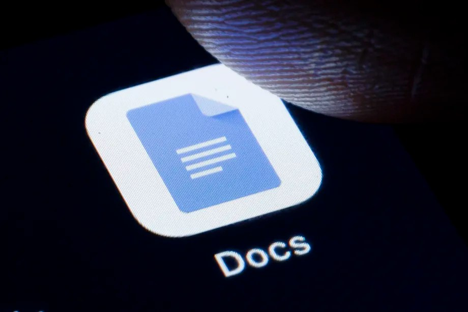 Google is containing the smart reply suggestions to the comments in Google Docs