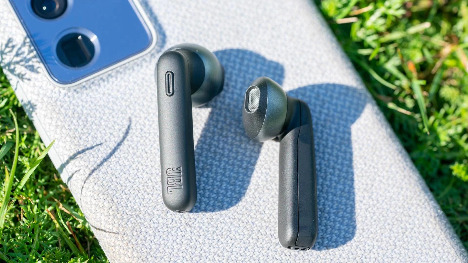 Test: JBL TUNE 225TWS, gute Semi-in-Ear Ohrhörer
