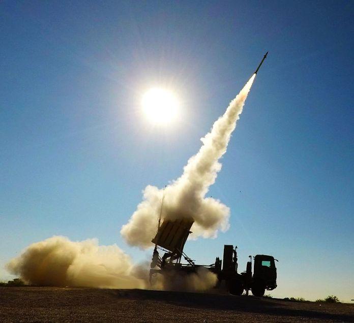 Rafael's mobile launcher launches the Tamir interception missile