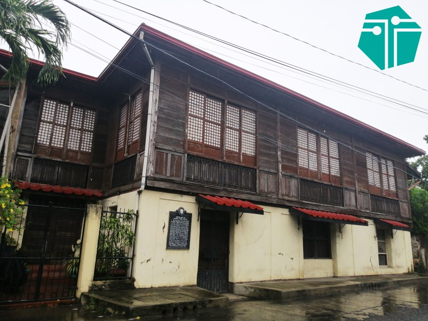 A photo of the Roxas Ancestral House facade.  This Photo was taken during our Capture Capiz and Iloilo Tour.