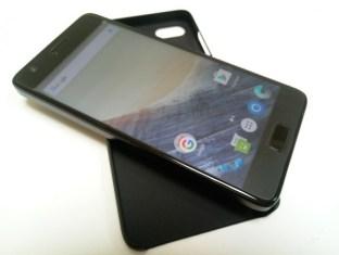 1476103670_new-lenovo-zuk-handset-coming-soon