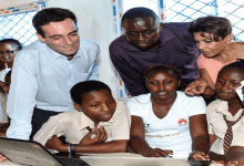 Photo of Huawei donates computers to support the Digital Literacy Programme