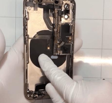 iPhone XS「分解の儀」、あいりぺが販売直後から2時間生配信