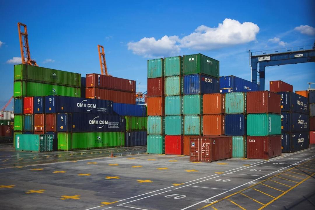 Containers-at-Dock