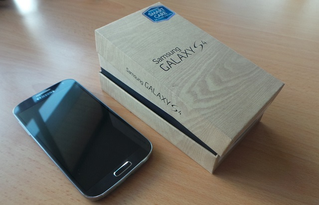 Galaxy S 4 box