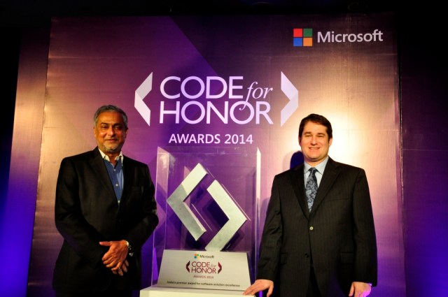 From left to right - Bhaskar Pramanik, Chairman, Microsoft India - Joseph Landes, General Manager and Chief Evangelist, Microsoft India