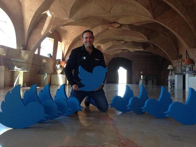 Tweeting Town Spain