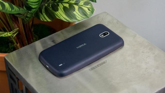 Nokia 1 back