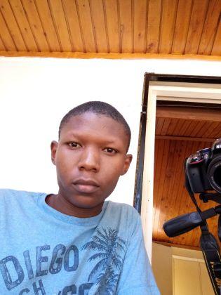 Lava Z81 selfie