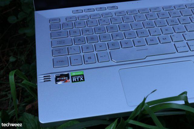 Asus Zephyrus G14 keyboard outside 2