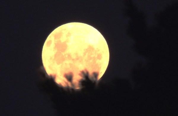 a lua mais bonita