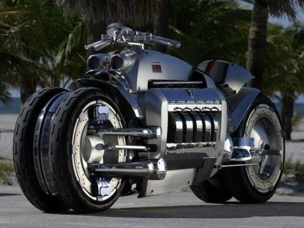 linda moto Tomahawk