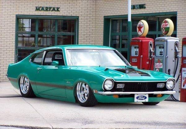 antigo carro belo