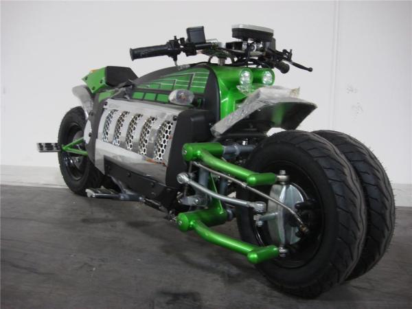moto Tomahawk verde