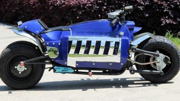 moto Tomahawk azul