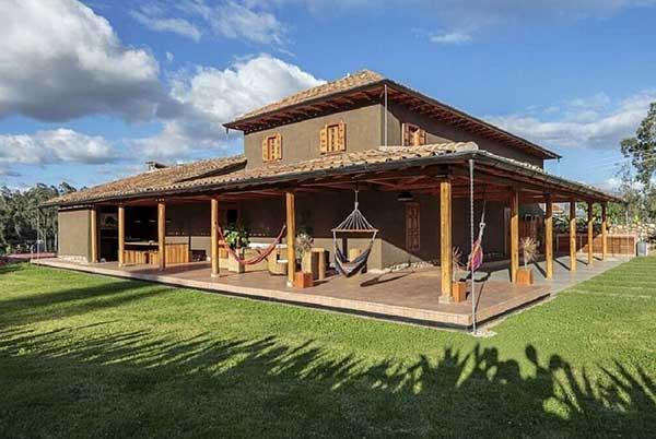 casa no campo tem varanda