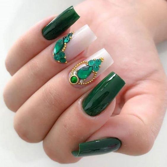 unha decorada cor verde