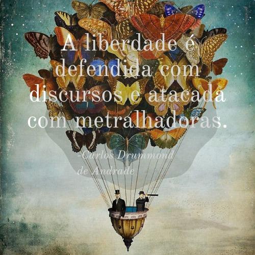 Frase de Carlos Drummond de Andrade perfeita