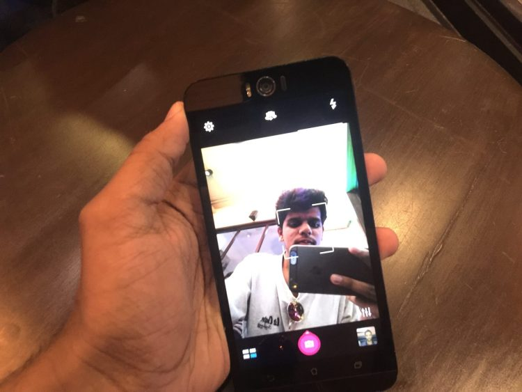 Asus ZenFone 2 Selfie: Review
