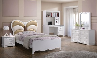 New Teenage Bedroom: Butterfly Collection