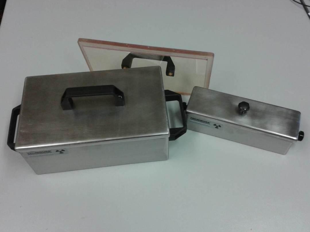 Caja blindada porta jeringas con tapa amovible