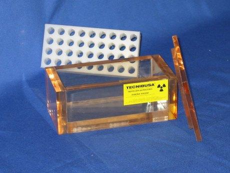 Caja de metacrilato plomado con gradillas paar tubos Eppendorf