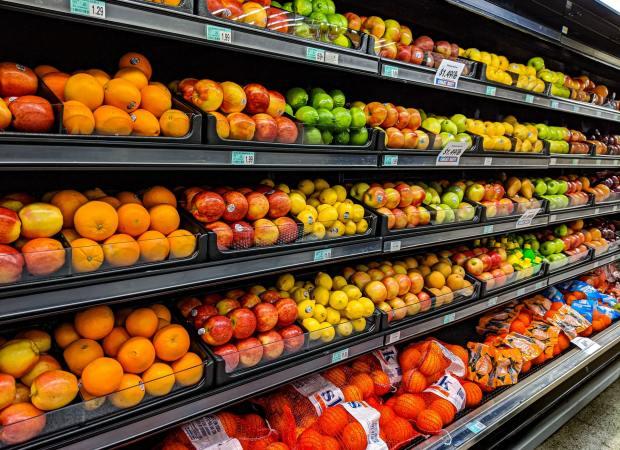 ¿Sabías que decidimos qué fruta comprar por impulso?