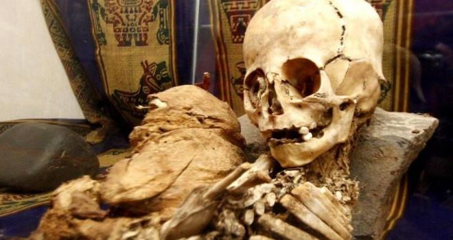 Foto Momia encontrada Cusco, Perú