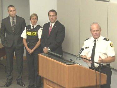 Superintendente Bryce Evans na coletiva da polícia em Toronto