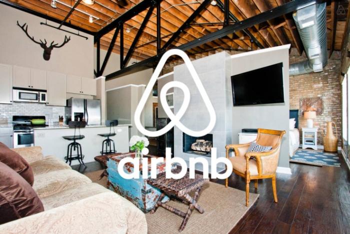 Resultado de imagem para airbnb