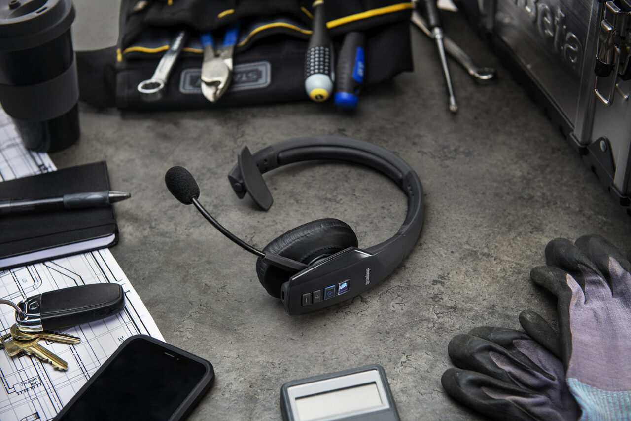 BlueParrott, cuffie wireless con la funzione Teams Walkie Talkie di Microsoft