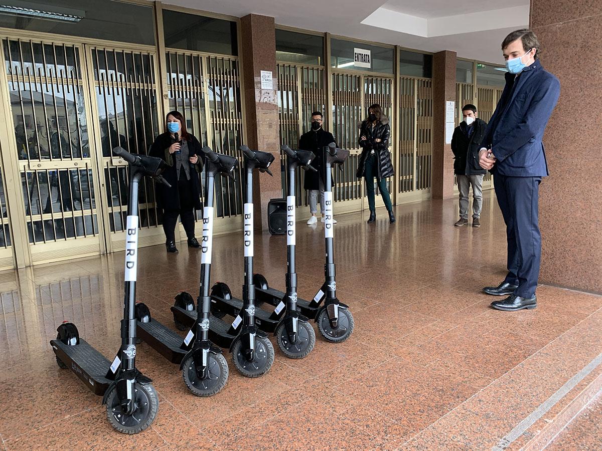 Ad Aprilia arrivano i monopattini elettrici in sharing: da lunedì 18 gennaio cento mezzi targati Bird