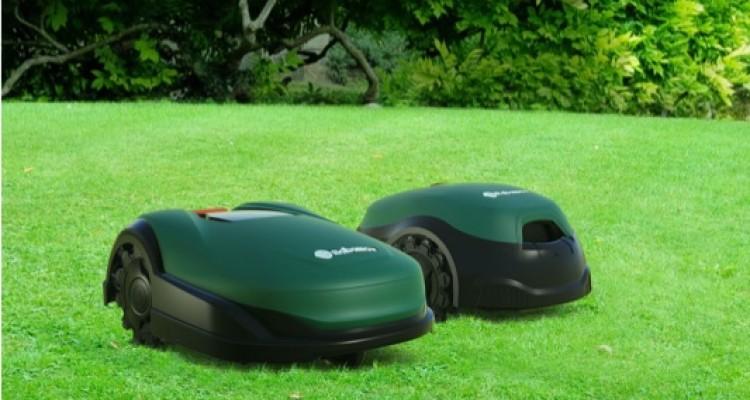 Robomow RT e RK: il taglio dell'erba si programma via app o display touch