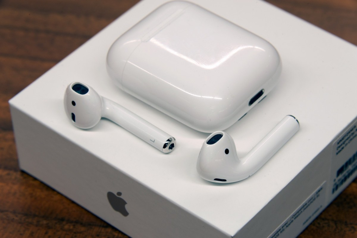 Apple AirPods, auricolari wireless: recensione
