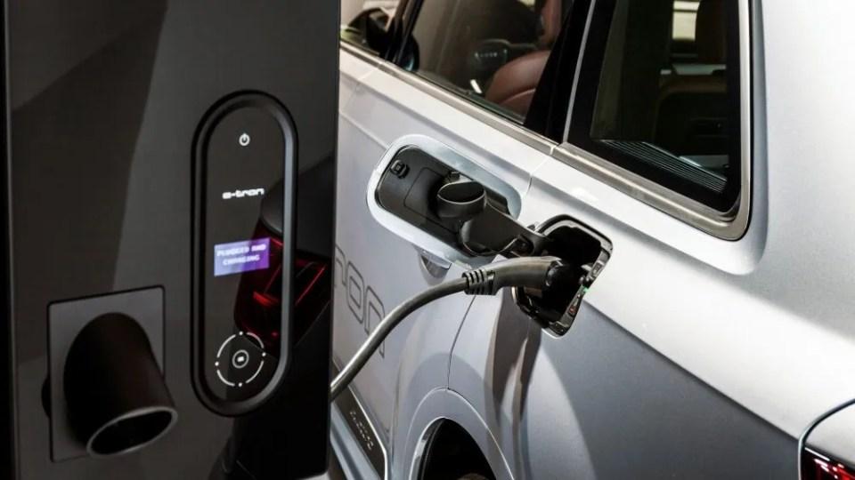 Cómo instalar el punto de carga en casa y adaptar la vivienda al coche eléctrico