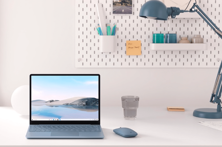 esta-es-Surface Laptop Go