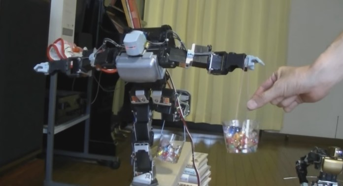 Tecnopia-RobotEquilibrista