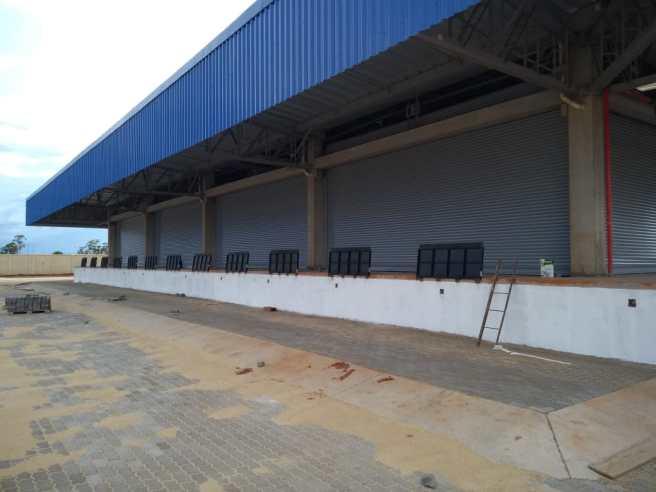 Porta Automática de Enrolar Portas de Rolo Portas Industriais de Aço Cortina Metálica de Enrolar