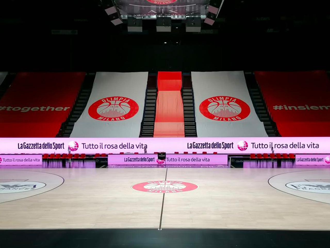 Armani Olimpia bordocampo cubo led Forum di Assago banner led perimetrale FluidNext Sport