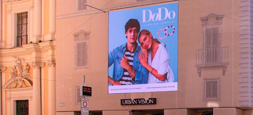 Maxi affissione schermo led pubblicitario maxischermo display UrbanVision