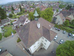s'Drooni unterwegs im 2017 über Ettingen (BL)