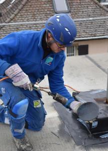 Einbau Abschottung bei Absturzsicherung