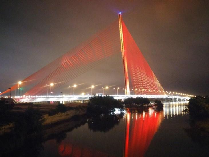 LGV 2015-03-06 vietnam danang han river Song Han Bridge small